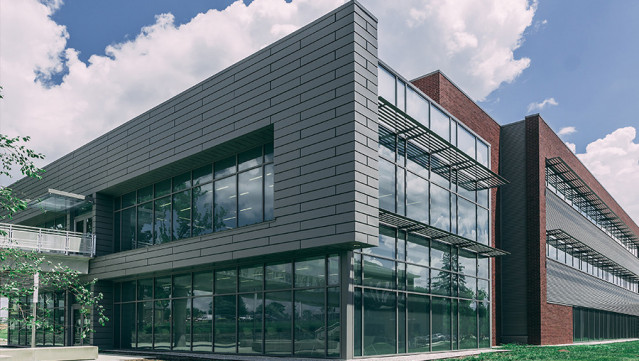 ASHRAE Technology Award Case Study: Modular Heat-Recovery Chiller Drives College Laboratory Savings